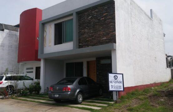 Casa en Residencial Punto Sur